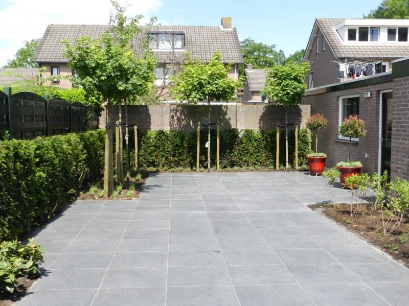 Grijze Tegels Tuin : Project design tuin braat makers van groenbeleving